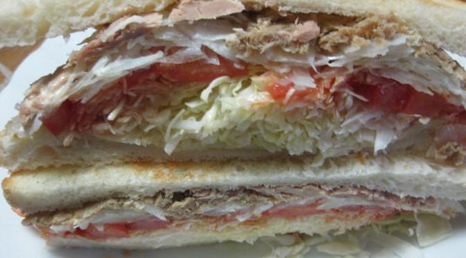シーチキンのサンドイッチ