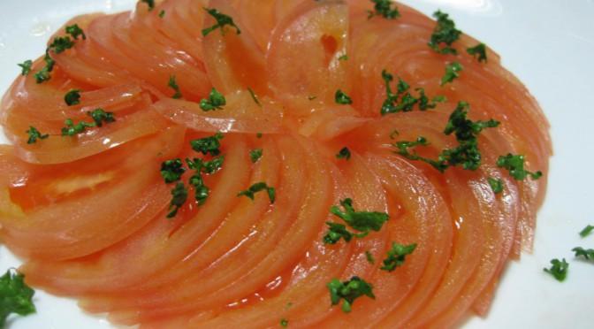 トマトのスライスサラダ