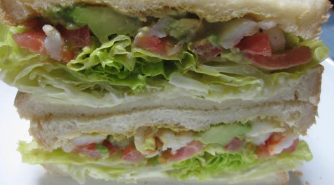 海老とアボカドのサンドイッチ2