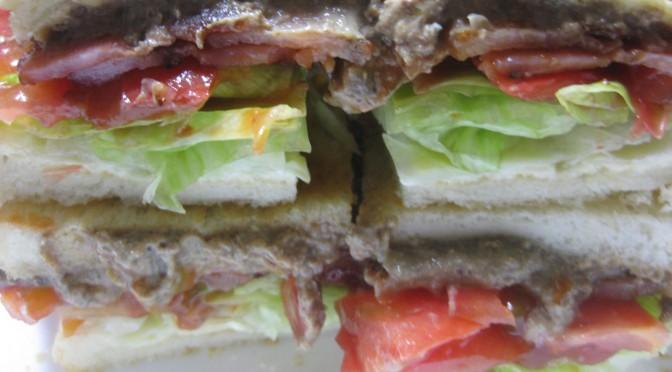 レバーペーストのサンドイッチ