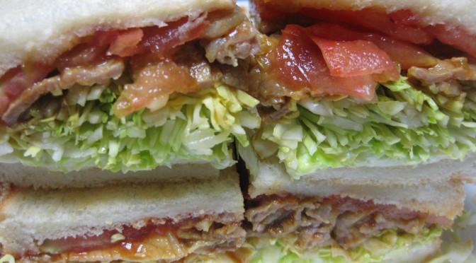 豚肉カレーケチャ炒めのサンドイッチ
