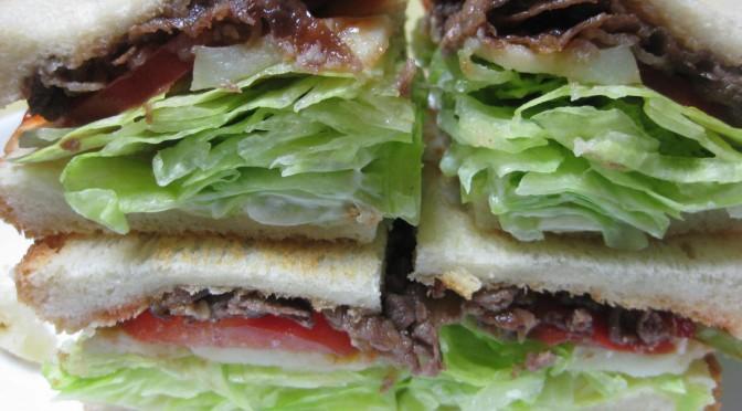 牛肉とポテトのボリューミーサンド