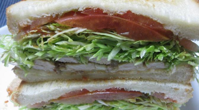 豚肉ソテーのサンドイッチ