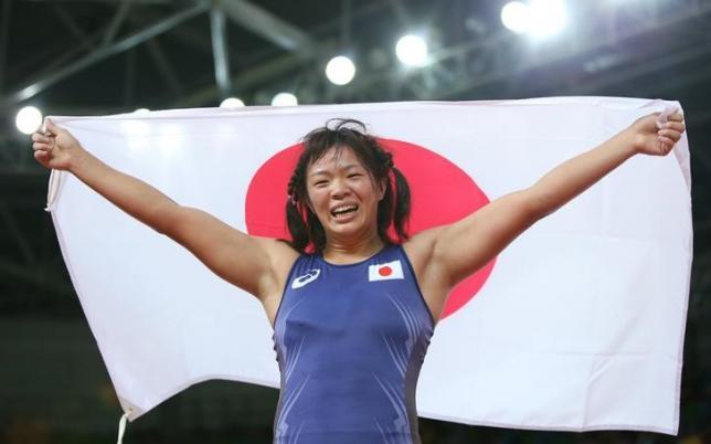 五輪=レスリング女子、川井が金メダル 吉田は連覇逃し銀