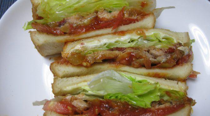 鯖トマトソースのサンドイッチ+技術部長ビックリ!
