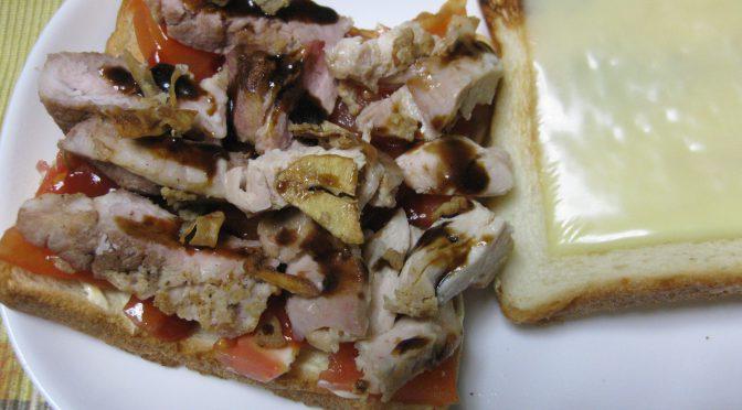 豚肉のソテーのサンドイッチ